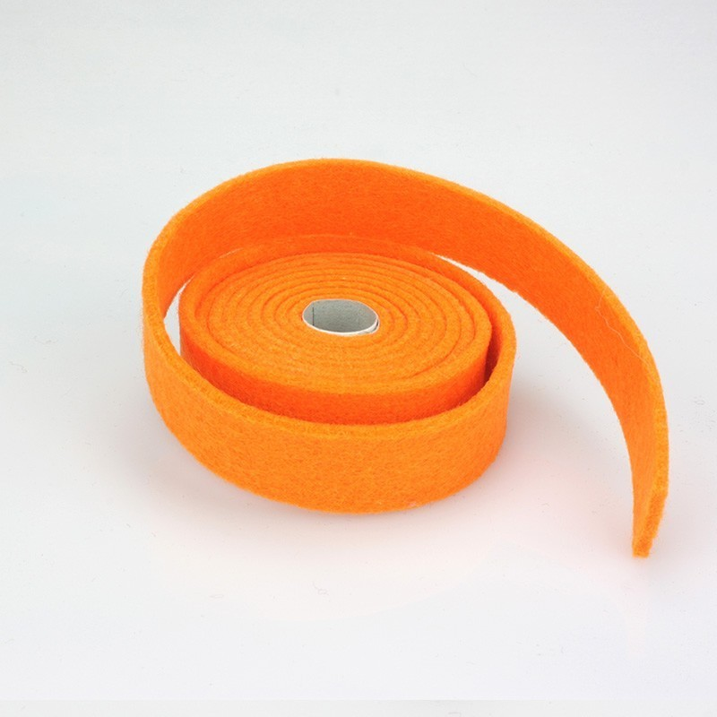 NASTRO IN FELTRO ROSSO - DIM. 2 CM  x 150 CM