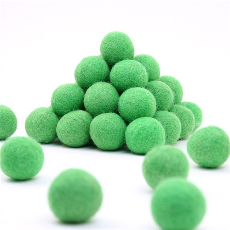 FELT BALL Ø 15 MM - APPLE-GREEN - 25 pcs